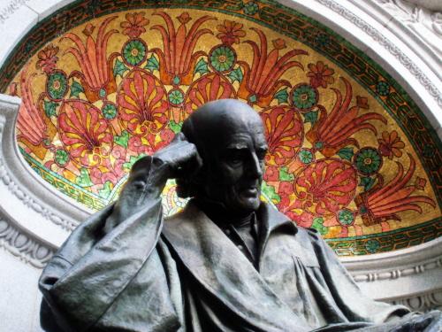 Samuel Hahnemann (pomnik w Waszyngtonie) - największy cudotwórca wszechczasów, zamienił wode i cukier w rzekę pieniędzy.