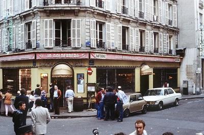 Do zamachu na kawiarnię Jo-Goldenberg doszło 9 sierpnia 1982 roku. Zginęło 6 ludzi, a 22 osoby zostały ranne