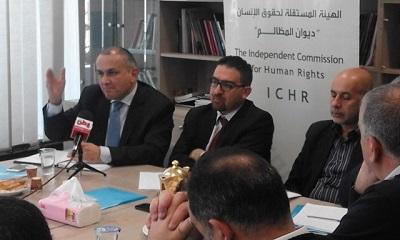 Na zdjęciu: Dr Ammar Dwaik (pośrodku), dyrektor generalny Niezależnej Komisji Praw Człowieka (Zdjęcie: ICHR)
