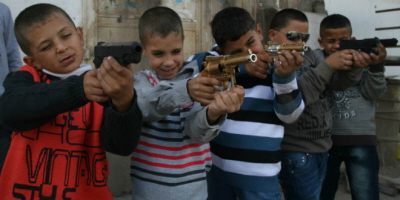 Palestyńskie dzieci z Hebronu (6 listopad 2011). (Photo: Issam Rimawi)