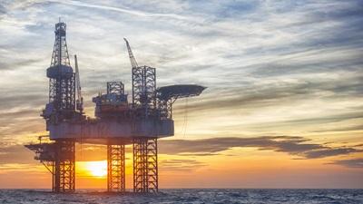 Przemysł naftowy Morza Północnego pozostawił sieć rurociągów i studni, idealnych do wstrzykiwania dwutlenku węgla w skały, gdzie się powoli rozpuszcza.