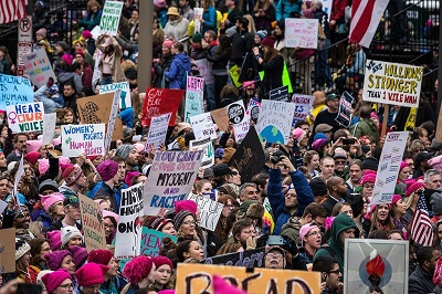 """Wiec """"przebudzonych"""" w Waszyngtonie. Musimy zawsze pamiętać, że nie tylko droga do piekła jest wybrukowana dobrymi chęciami. Podobnie jest z drogą do tyranii. Zdjęcie: Wikipedia."""