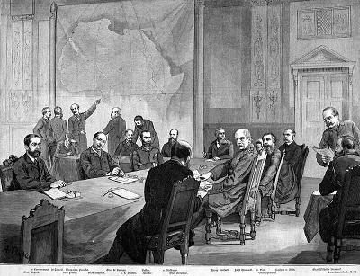 """Może być potrzebna nowa Konferencja Berlińska, żeby uspokoić sytuację i zbudować nowy, oparty o reguły, porządek świata. W czasie jednak, kiedy nawet kolejny szczyt G-7 może się nie odbyć, kto podejmie tę inicjatywę? Na zdjęciu: ilustracja Konferencji Berlińskiej z lat 1884-1885, która pojawiła się w""""Allgemeine Illustrierte Zeitung"""". (Źródło ilustracji: Adalbert von Rößler/Wikimedia Commons)"""