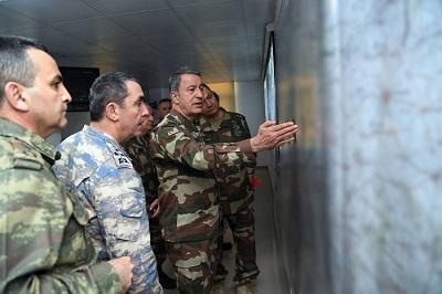 Sztab Generalny armii tureckiej spotyka się, by omówić Operację Gałąź Oliwna, 21 stycznia 2018 r. (Zdjęcie: Tureckie Siły Zbrojne)