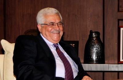 Trudno usprawiedliwić obojętność przywódców palestyńskich wobec własnej ludności. Jak ukazały się najnowsze raporty z Syrii, 82 Palestyńczyków zmarło w 2018 r. w wyniku tortur w syryjskich więzieniach rządowych, prezydent Autonomii Palestyńskiej Mahmoud Abbas był w Kairze, zabawiając się w towarzystwie słynnych egipskich aktorów i aktorek. Na zdjęciu: Mahmoud Abbas. (Zdjecie: Omar Rashidi/PPO via Getty Images)