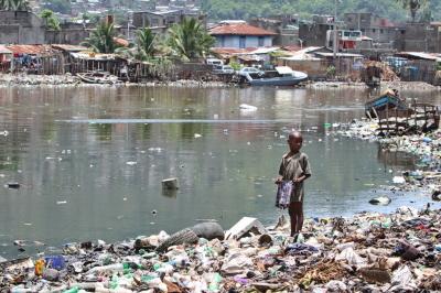 Zdjęcie dziecka na Haiti ze strony internetowej organizacji Worship in Action