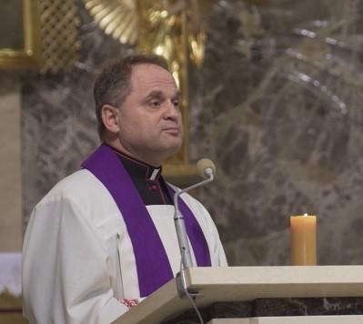 Ksiądz Wacław Madej, proboszcz parafii na Kamionku.