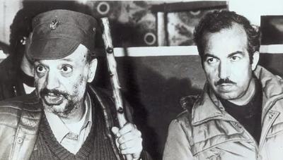 Wychwalając i oddając honor pamięci zabitego terrorysty Abu Dżihada, prezydent Autonomii Palestyńskiej, Mahmoud Abbas, zachęca swoją ludność, by szła w ślady arcyterrorysty, który wysyłał ludzi, by mordowali niewinnych cywilów w Izraelu.Na zdjęciu: Jaser Arafat i Abu Dżihad.