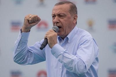 """Turecki prezydent Recep Tayyip Erdogan ostrzegł rząd austriacki, że """"Kroki podjęte przez austriackiego kanclerza prowadzą świat ku wojnie między krzyżem a półksiężycem.\"""