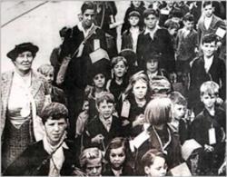 Zrzut z ekranu z filmu Kindertransport Documentary
