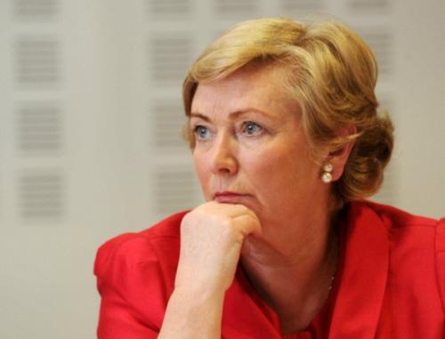 Minister sprawiedliwości rządu irlandzkiego, pani Frances Fitzgerald, wyraziła swoje zaniepokojenie tą sprawą i zapowiedziała, że przestrzeganie uchwalonej w styczniu ustawy o ochronie życia podczas ciąży będzie monitorowane.
