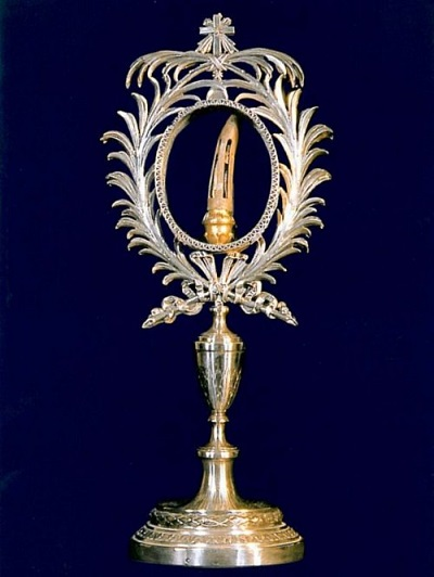 Palec św. Tomasza (niewiernego), do którego można się pomodlić w bazylice Świętego Krzyża w Jerozolimie.