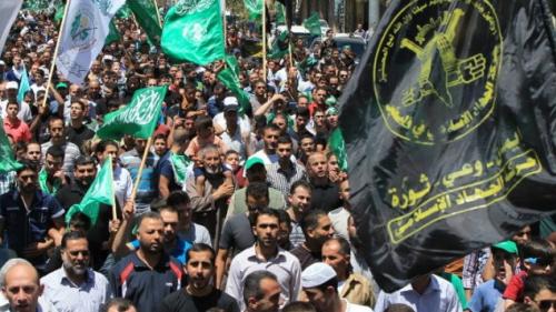 """Prohamasowska demonstracja w Ramallah, Zdjęcie za """"Times of Israel"""" z 29 sierpnia 2014. ((Photo credit: AFP/HAZEM BADER)."""