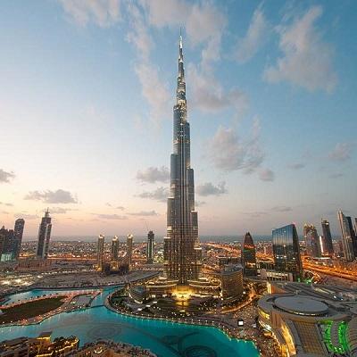 Zjednoczone Emiraty Arabskie zawierają pokój z Izraelem, by inspirować kulturową, religijną i polityczną reformę; to są wizjonerscy przywódcy, mężowie stanu. ZEA zobaczyły, że zaakceptowanie Izraela i zaprzeczenie ideologii, która zaprzecza Izraelowi, jest częścią drogi do przodu. Na zdjęciu: panorama Abu Dhabi, ZEA.