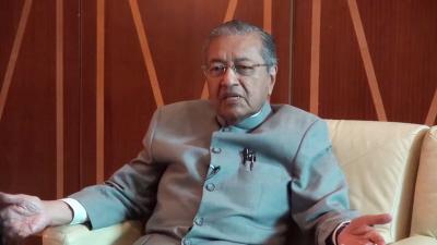 Mahathir Mohamad był premierem Malezji od 1981 do 2003 r. W 2003 r. powiedział, że Żydzi rządzą światem, a w 2012 twierdził, że z przyjemnością przyjmie etykietkę antysemity.