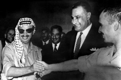 Kair, powstanie OWP w 1964 roku. Na zdjęciu Jasir Arafat, prezydent Egiptu Nasser oraz król Jordanii Husajn I.