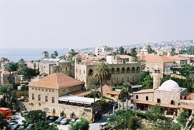 Liban, miasto Babylos (arab.جبيل,Dżubajl)w środkowym Libanie było po raz pierwszy okupowane między osiem a siedem tysięcy lat przed naszą erą. Jest jednym z najstarszych na świecie miast. (Źródło: Wikipedia).