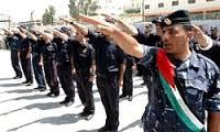 Utworzona przez Arafata, zbrojona i szkolona przez USA policja palestyńska. Zdjęcie z 9 maja 2006