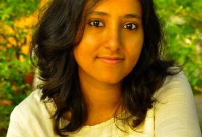 Aarefa Johari, 29-letnia dziennikarka muzułmańska z Mumbaju, pochodzi ze społeczności bohrów, sekty muzułmanów szyickich. Ta społeczność mieszka w Indiach zachodnich, głównie w Mumbaju i Pune.(Zdjęcie: womensweb.in)