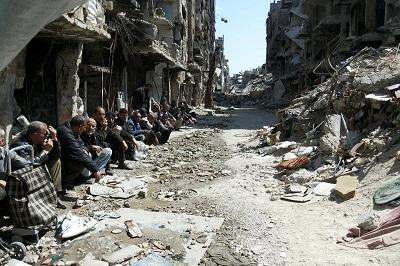 Obóz palestyńskich uchodźców Yarmuk, w Syrii, zbombardowany przez siły rządowe w 2015 roku.