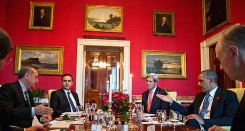 Ówczesny premier Erdogan, szef wywiadu Hakan Fidan, Sekretarz Stanu John Kerry i prezydent Obama podczas lunchu w Białym Domu, 16 maja 2013 r. Źródło: WSJ.com, 10 października 2013 r.