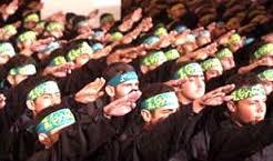 Hamas, część Bractwa Muzułmańskiego, organizacja zbrojona przez Katar, Turcję i Iran i wspomagana finansowo przez Unię Europejską i ONZ.