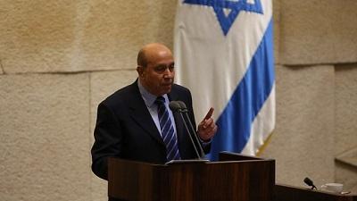 Zouheir Bahloul, arabski członek Knesetu, jest ostatnim arabskim obywatelem Izraela, który ma prawo skarżyć się na dyskryminację. Przez dziesięciolecia był jednym z najbardziej popularnych dziennikarzy sportowych, wielbiony w równym stopniu przez Arabów i Żydów. Zawsze żył komfortowym życiem w Izraelu – o jakim nie mógłby marzyć w żadnym kraju arabskim. (Zdjęcie: Knesset Spokesperson)