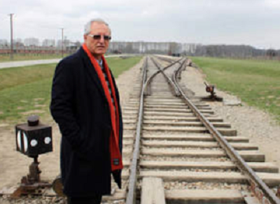 Profesor Mohamed Dajani przed wizytą w Auschwitz.