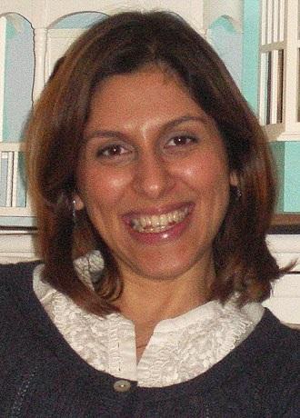 Obecnie wśród zagranicznych obywateli przetrzymywanych jako zakładnicy w Iranie jest Nazanin Zaghari-Ratcliffe, Brytyjka, która w 2016 roku razem ze swoją wówczas 22-miesięczną córką pojechała do Iranu, by odwiedzić w Nowruz swoją rodzinę i została aresztowana przy wsiadaniu do samolotu, w drodze powrotnej do Wielkiej Brytanii. Na zdjęciu: Nazanin Zaghari-Ratcliff w 2011 roku (Źródło: Wikipedia)